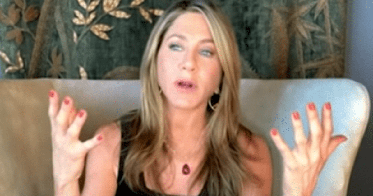 """Jennifer Aniston says she cut ties with """"a few people"""" over vaccination status"""